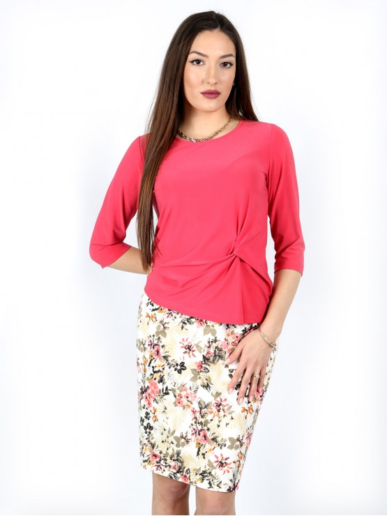 Women's blouse with 7/8 sleeve and a fancy knot in coral color