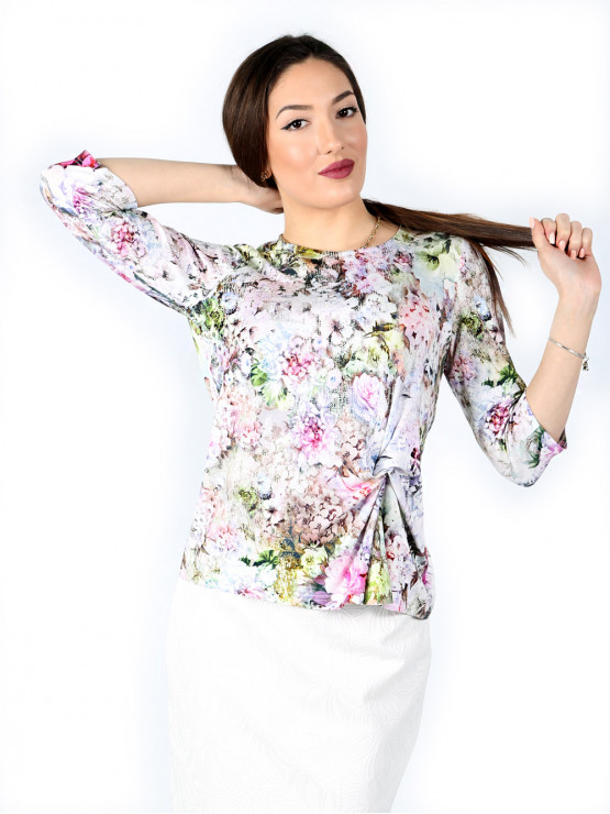 Blouse with sleeves 7/8 and fancy knot