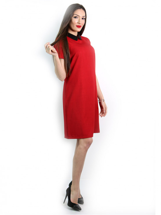 Red dress with short sleeves with black collar
