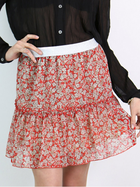 Short skirt with red flowers